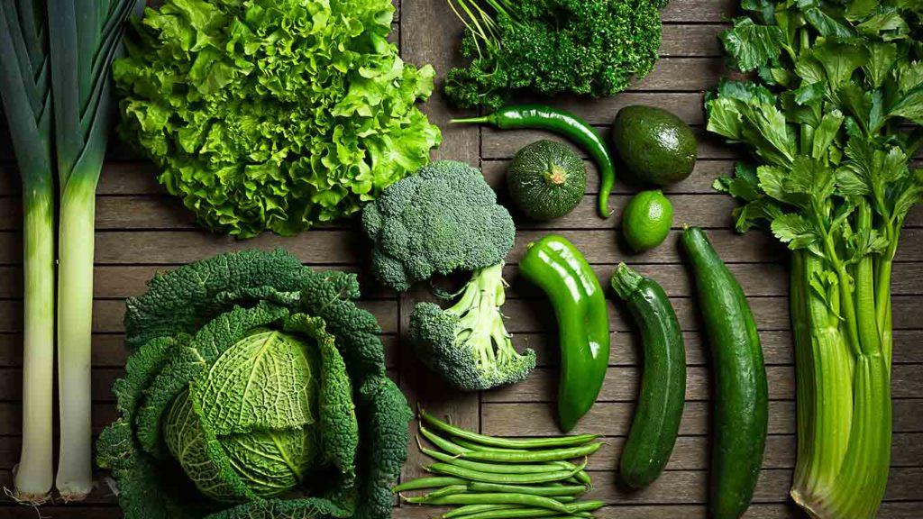 vegan-abnehmen-dunkelgrünes-blattgemüse-1024x576