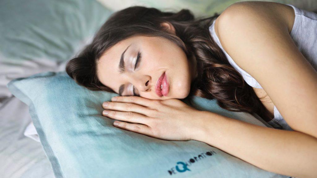 dauerhaft-vegan-abnehmen-schlafen-1024x576