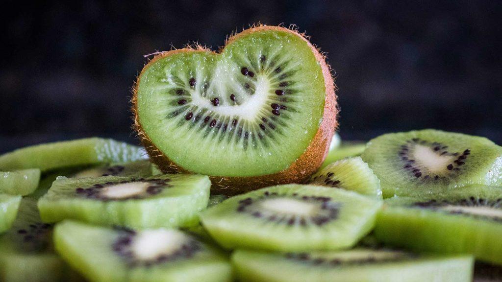 vegan-einkaufen-kiwi-1024x576 (1)