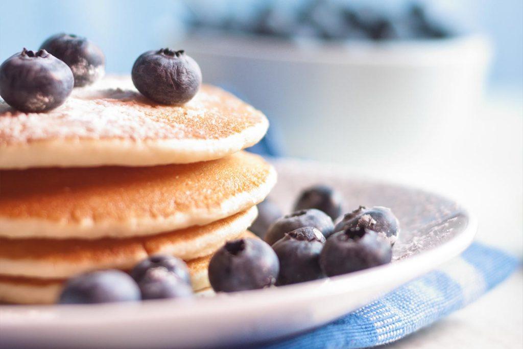 veganes-frühstück-pancakes-1024x683