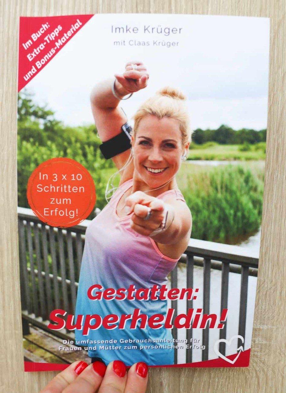 erfahrungen_gestatten_superheldin_buchcover